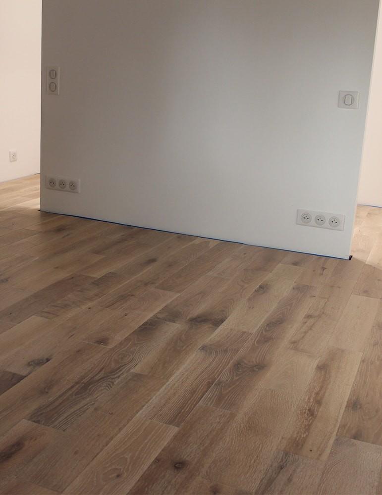 Parquet chêne massif clipsable Cérusé blanc - 15 x 125 mm